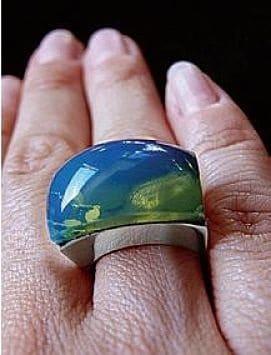 янтарь голубого цвета