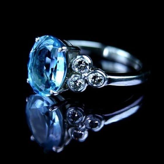 сапфир голубого цвета