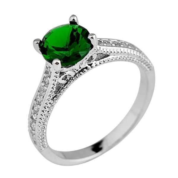 сапфир зеленого цвета