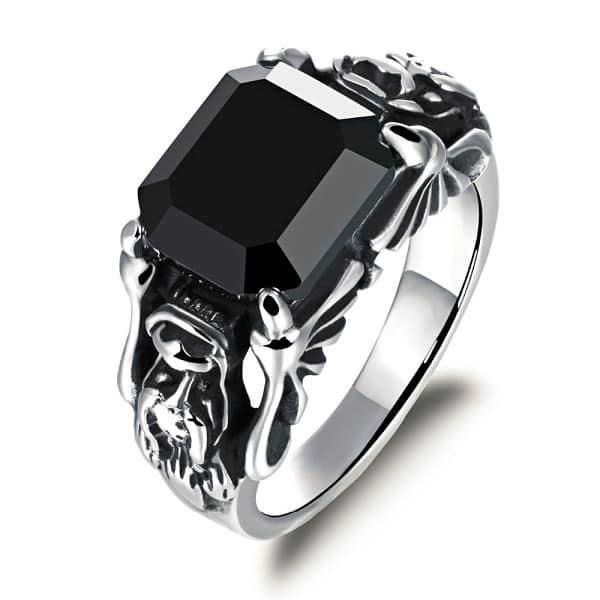 бриллиант черного цвета