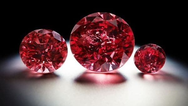 алмаз красного цвета