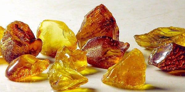 янтарь камень