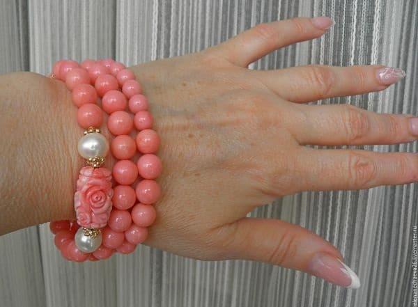 коралл розового цвета