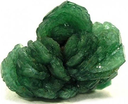 турмалин зеленого цвета