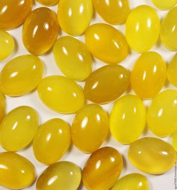 агат желтого цвета