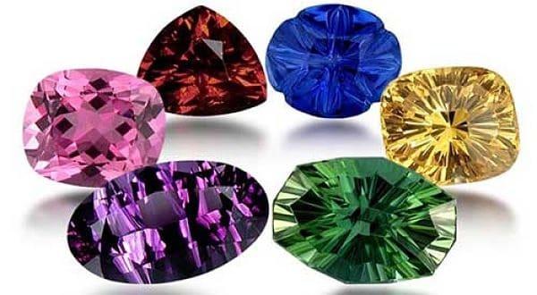 камни и знак зодиака Рак